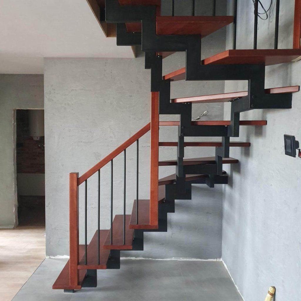 фото лестницы на металлических косоурах