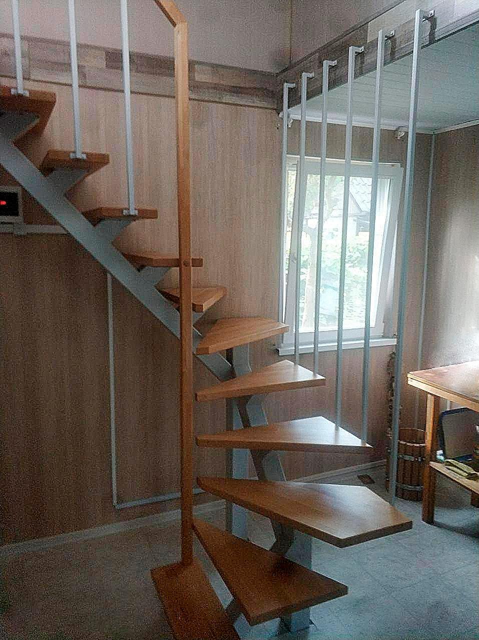 фото лестницы на металлическом каркасе для дачи